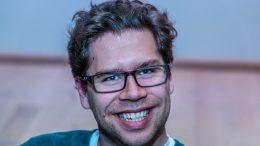 NORGESMESTER: Jon Ludvig Hammer tok sin andre kongepokal i sjakk. Foto: Rolf Haug/mattogpatt.no