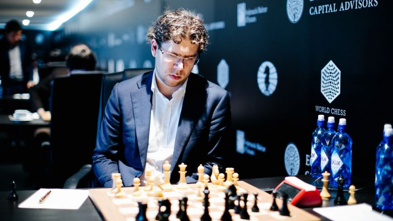 NEDTUR: Jon Ludvig Hammer var svært misfornøyd med at han ikke klarte å vinne partiet over Alexander Riazantsev i 8. runde. Foto: Valery Belobeev/World Chess