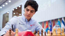 VM-LEDELSE: Aryan Tari er fortsatt i teten fire runder før slutt i Junior-VM. Foto: Maria Emelianova