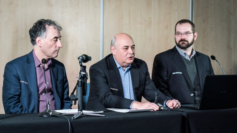 GRAND CHESS TOUR: Malcolm Pein, Michael Khodarkovsky og Tony Rich. Foto: Lennart Ootes/Grand Chess Tour