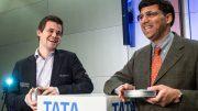 GOD STEMNING: Magnus Carlsen og Viswanathan Anand sikret seg begge nye VM-titler i Saudi-Arabia. Før den 80. utgaven av Tata Steel Chess, står de begge med 5 seire. Foto: Maria Emelianova/chess.com