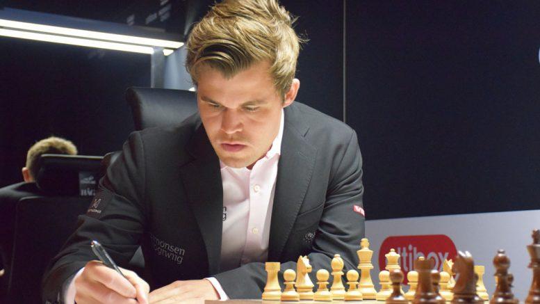 Magnus Carlsen i det 55. møtet med Levon Aronian i Norway Chess 2018. Foto: Tarjei J. Svensen