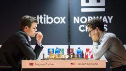 Magnus Carlsen og Fabiano Caruana i det som kan være det siste møtet før VM-matchen i november. Foto: Lennart Ootes