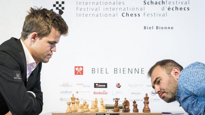 Magnus Carlsen i møtet med Shakhriyar Mamedyarov i 5. runde av Biel. Foto: Lennart Ootes/Biel International Chess Festival.