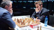 Magnus Carlsen i møtet med Arkadij Naiditsch i 5. runde av Grenke Chess Classic 2019. Foto: Eric van Reem