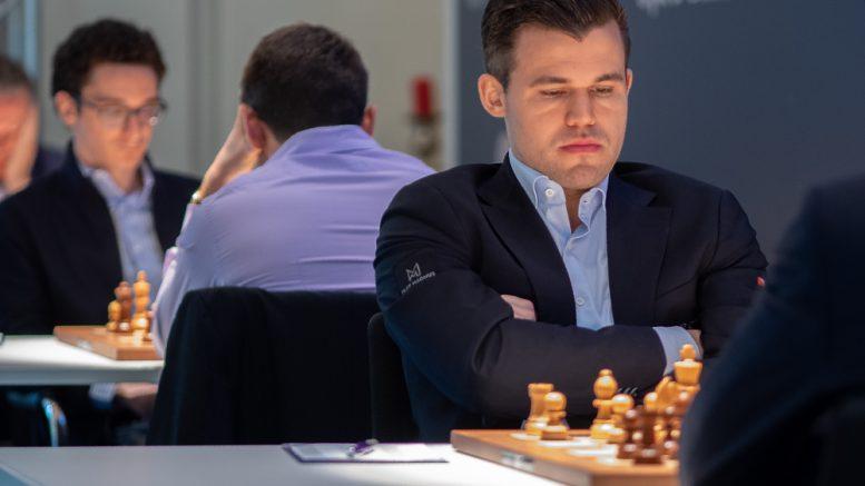 Magnus Carlsen dominerte fullstendig i Grenke Chess Classic og vant sin fjerde turnering på rad. Her fra møtet med Maxime Vachier-Lagrave i 9. runde. Foto: Eric van Reem